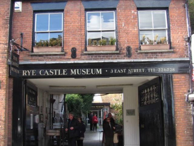 History of Rye, Rye History Museum, medieval history, medieval history museum, East Street Museum, east street rye, rye history museum, east street museum, Ypres tower, Ypres tower history, Ypres tower rye, rye castle museum, east street museum front, visitors entrance rye castle east street museum
